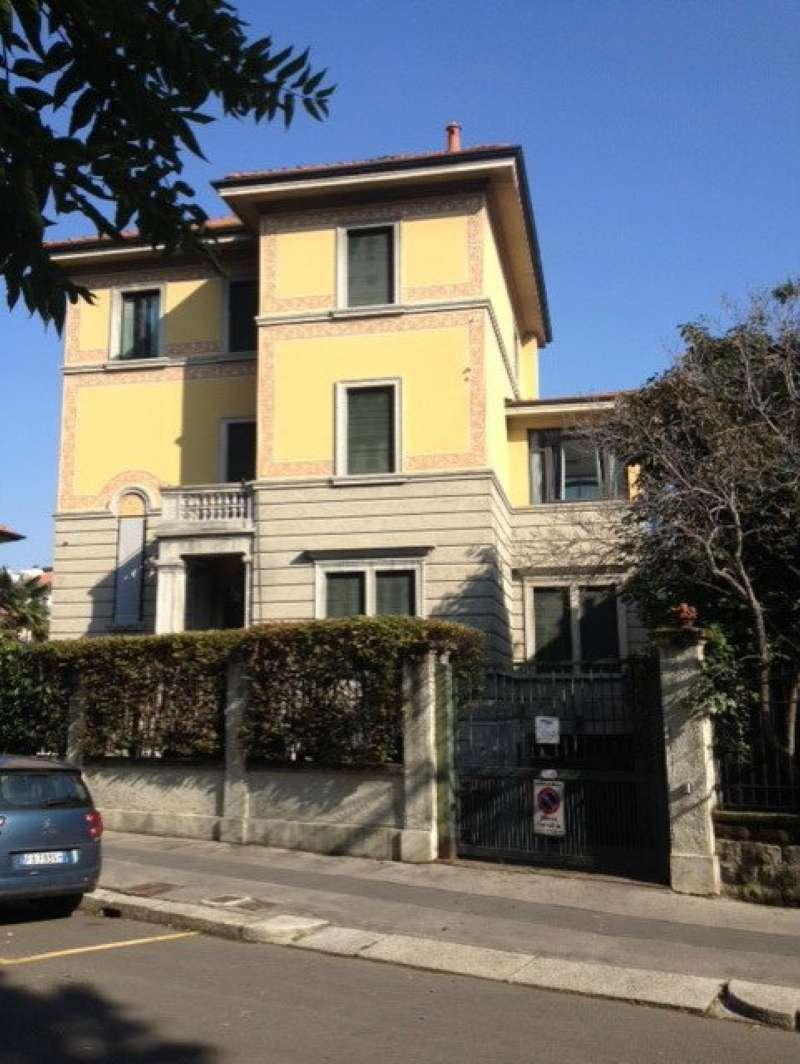 Villa in vendita a Milano, 12 locali, zona Zona: 15 . Fiera, Firenze, Sempione, Pagano, Amendola, Paolo Sarpi, Arena, prezzo € 2.150.000 | CambioCasa.it