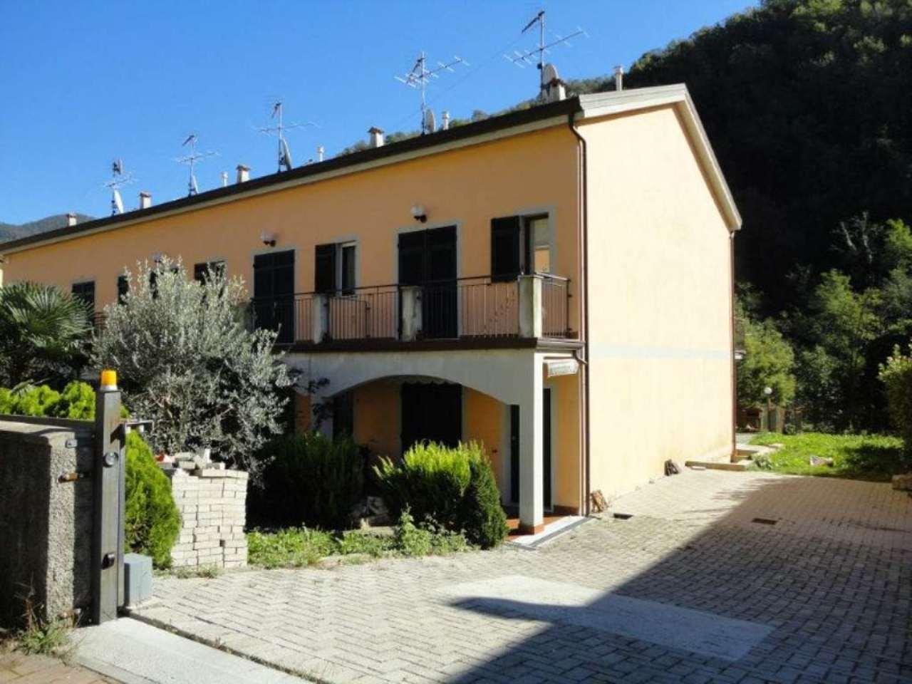 Soluzione Indipendente in vendita a Carasco, 5 locali, prezzo € 250.000 | Cambio Casa.it