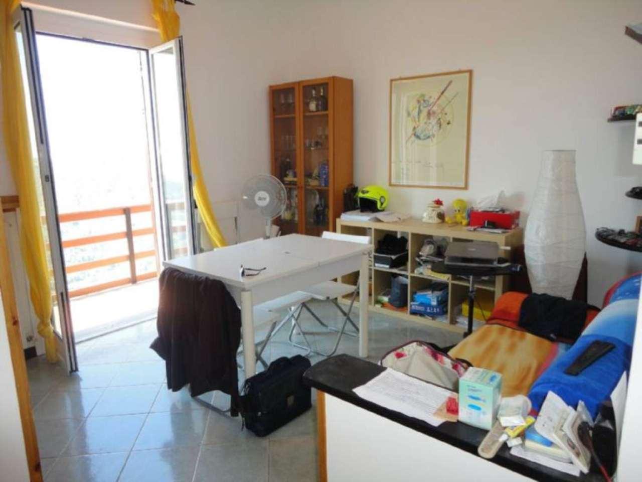 Appartamento in vendita a Carasco, 3 locali, prezzo € 115.000 | Cambio Casa.it