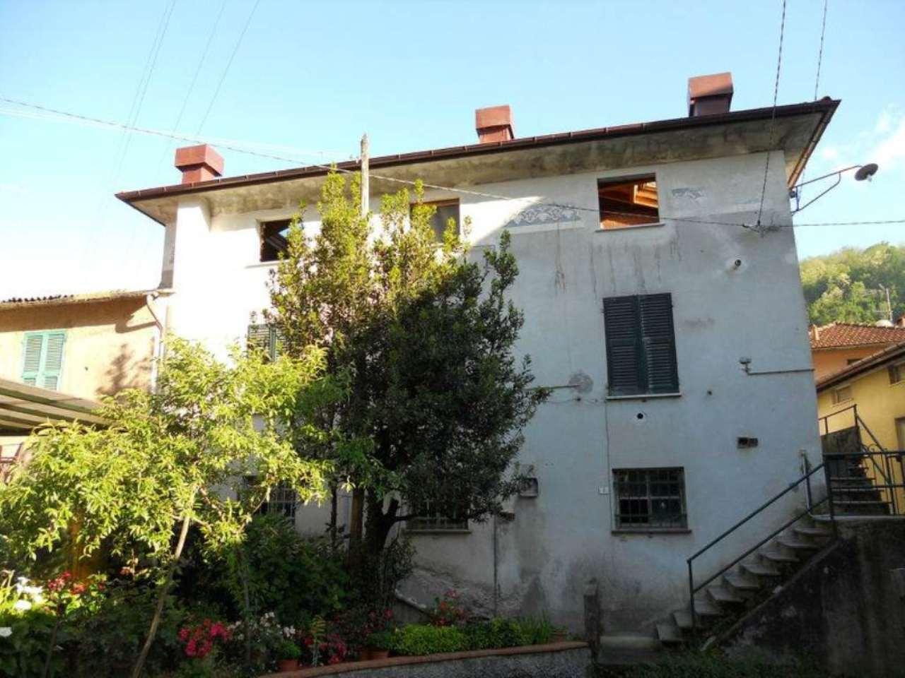 Appartamento in vendita a Moconesi, 4 locali, prezzo € 65.000 | Cambio Casa.it