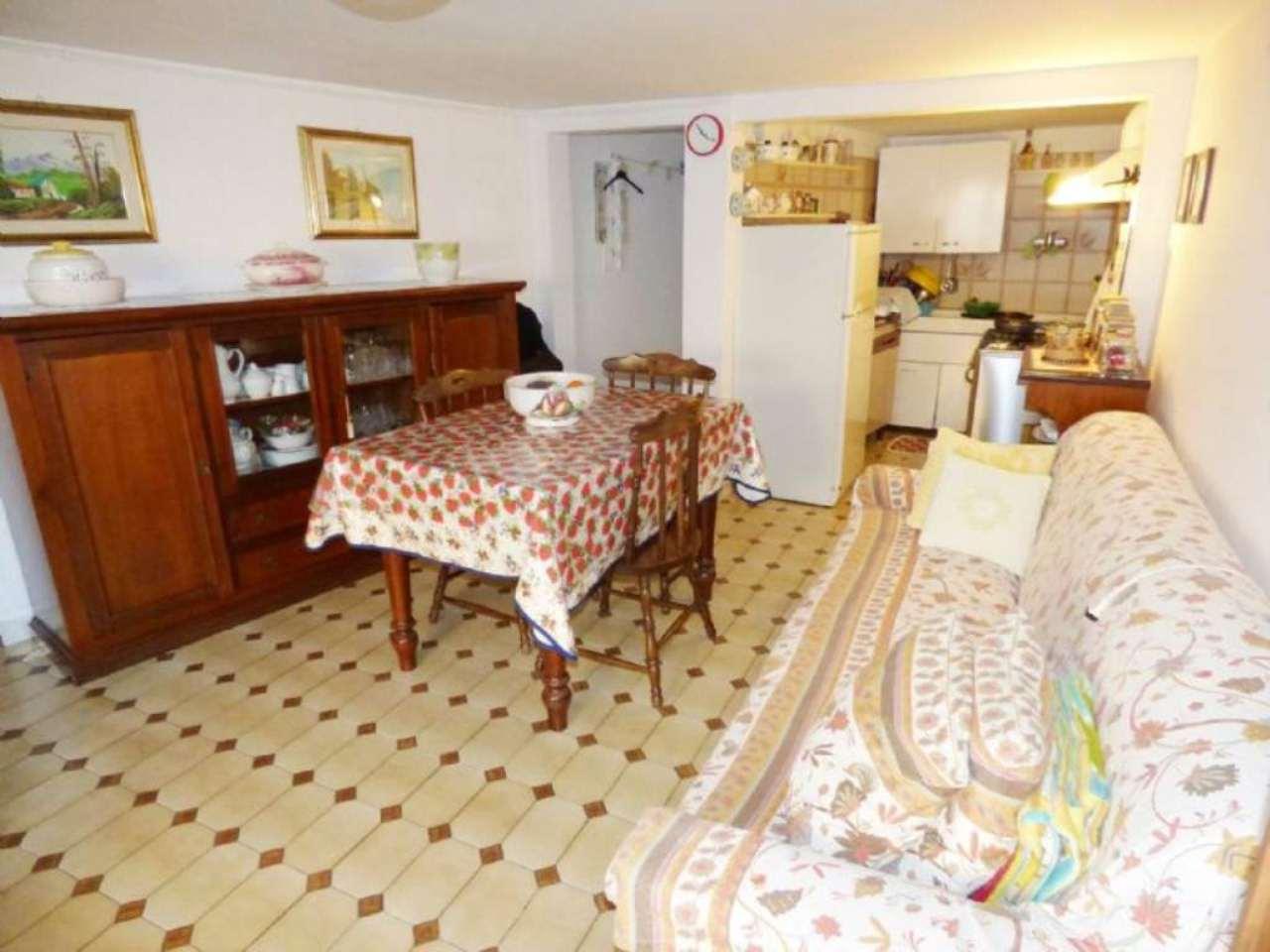Soluzione Indipendente in vendita a Lumarzo, 6 locali, prezzo € 95.000 | Cambio Casa.it