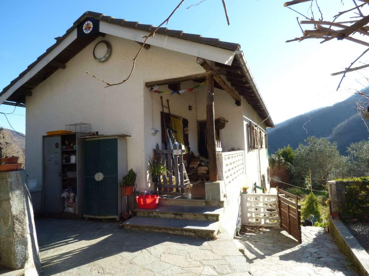 Soluzione Indipendente in vendita a Tribogna, 7 locali, prezzo € 180.000 | Cambio Casa.it