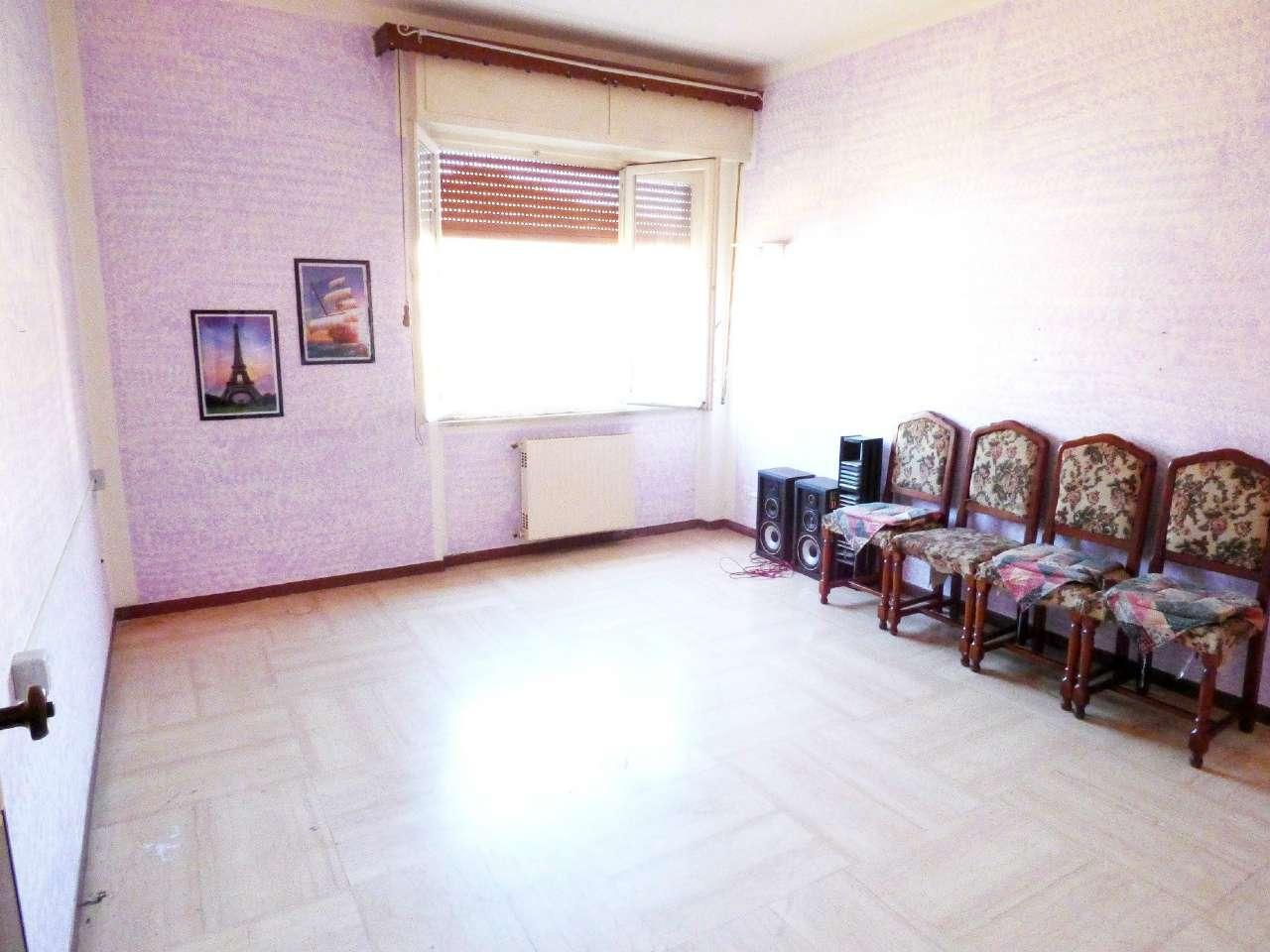 Appartamento in vendita a Carasco, 5 locali, prezzo € 119.000 | Cambio Casa.it
