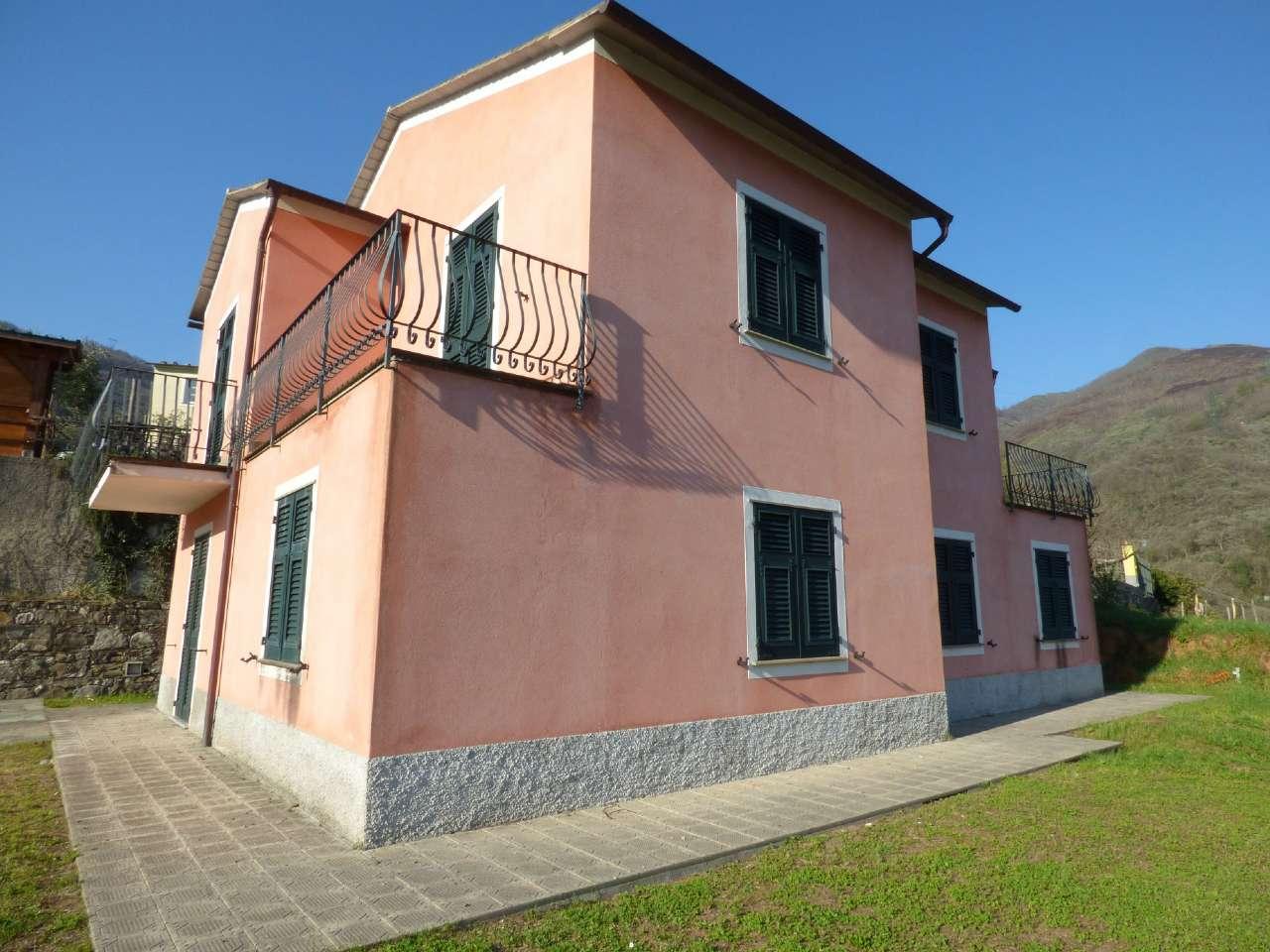 Soluzione Indipendente in vendita a Moconesi, 8 locali, prezzo € 380.000 | CambioCasa.it