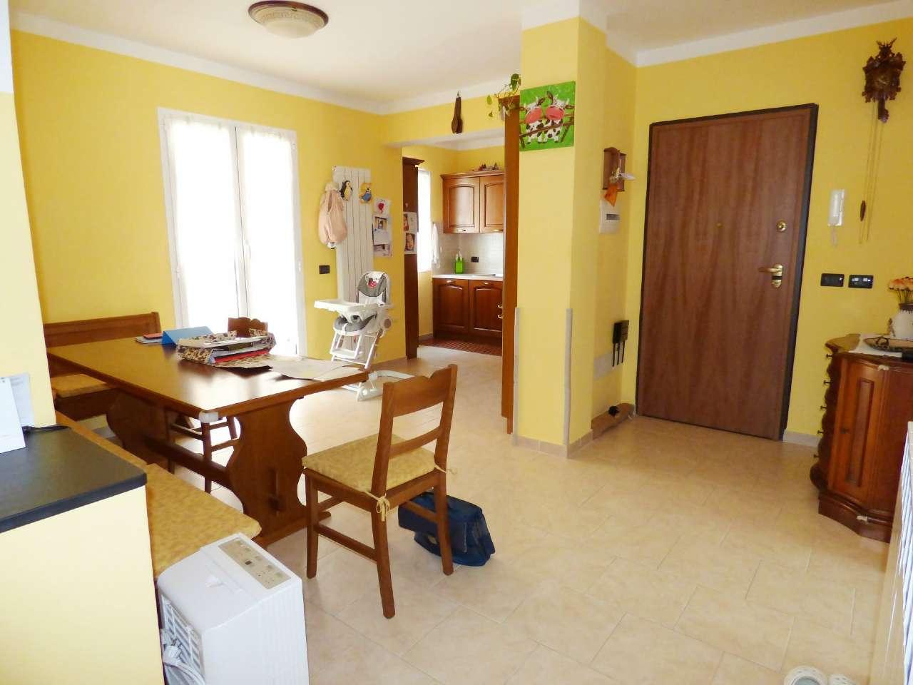 Appartamento in vendita a Mezzanego, 5 locali, prezzo € 165.000 | CambioCasa.it