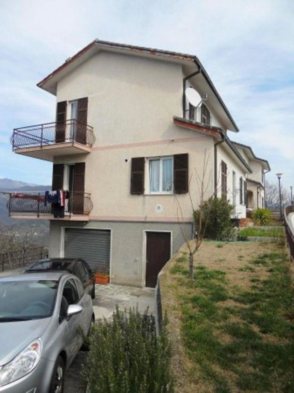 Soluzione Indipendente in vendita a Leivi, 6 locali, prezzo € 540.000 | Cambio Casa.it