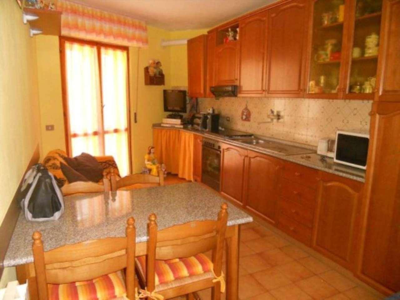 Appartamento in vendita a Moconesi, 4 locali, prezzo € 69.000 | Cambio Casa.it