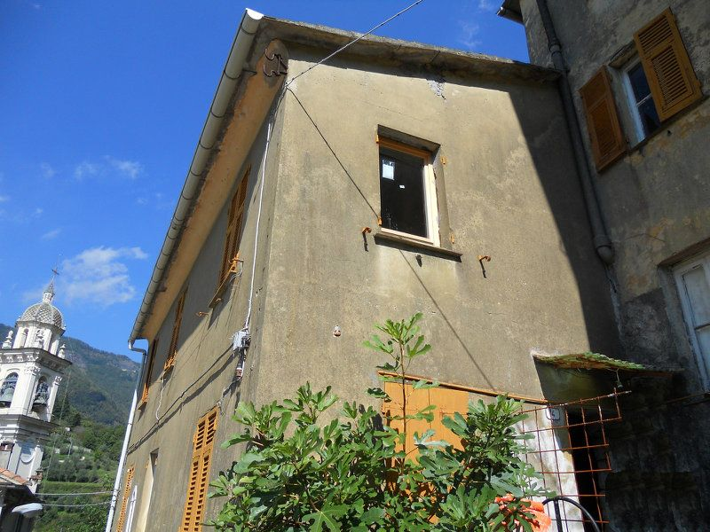 Soluzione Indipendente in vendita a Favale di Malvaro, 6 locali, prezzo € 70.000 | Cambio Casa.it