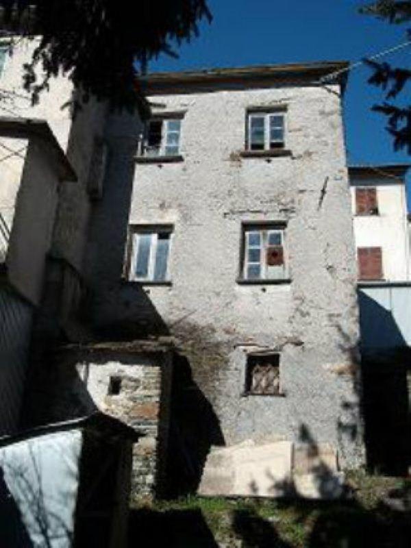 Rustico / Casale in vendita a Lorsica, 3 locali, prezzo € 68.000 | CambioCasa.it