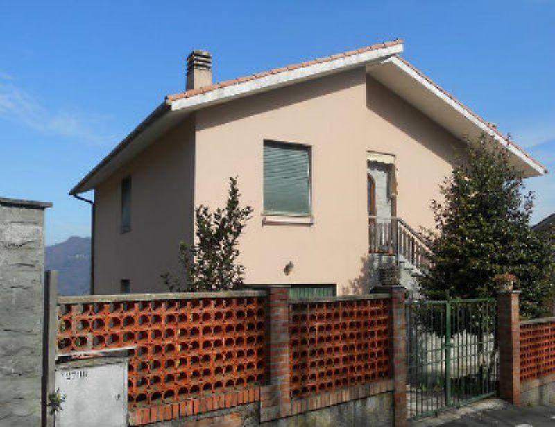 Appartamento in vendita a Leivi, 4 locali, prezzo € 280.000 | Cambio Casa.it
