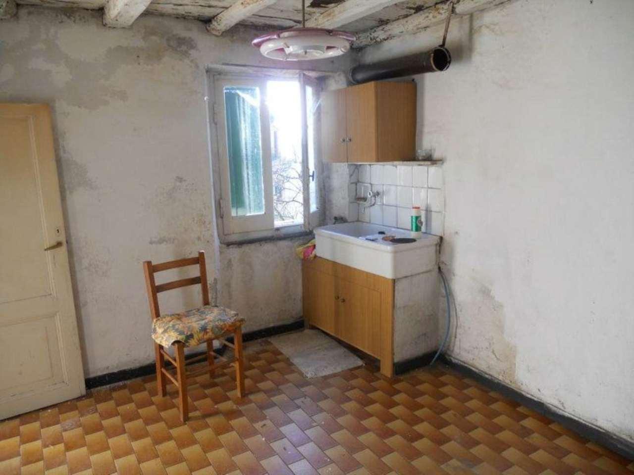Rustico / Casale in vendita a Neirone, 4 locali, prezzo € 20.000 | Cambio Casa.it