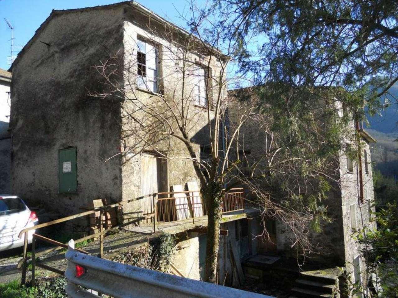 Rustico / Casale in vendita a San Colombano Certenoli, 6 locali, prezzo € 120.000 | Cambio Casa.it