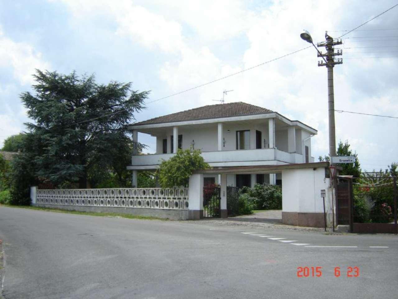 Villa in vendita a Voghera, 4 locali, prezzo € 300.000   Cambio Casa.it