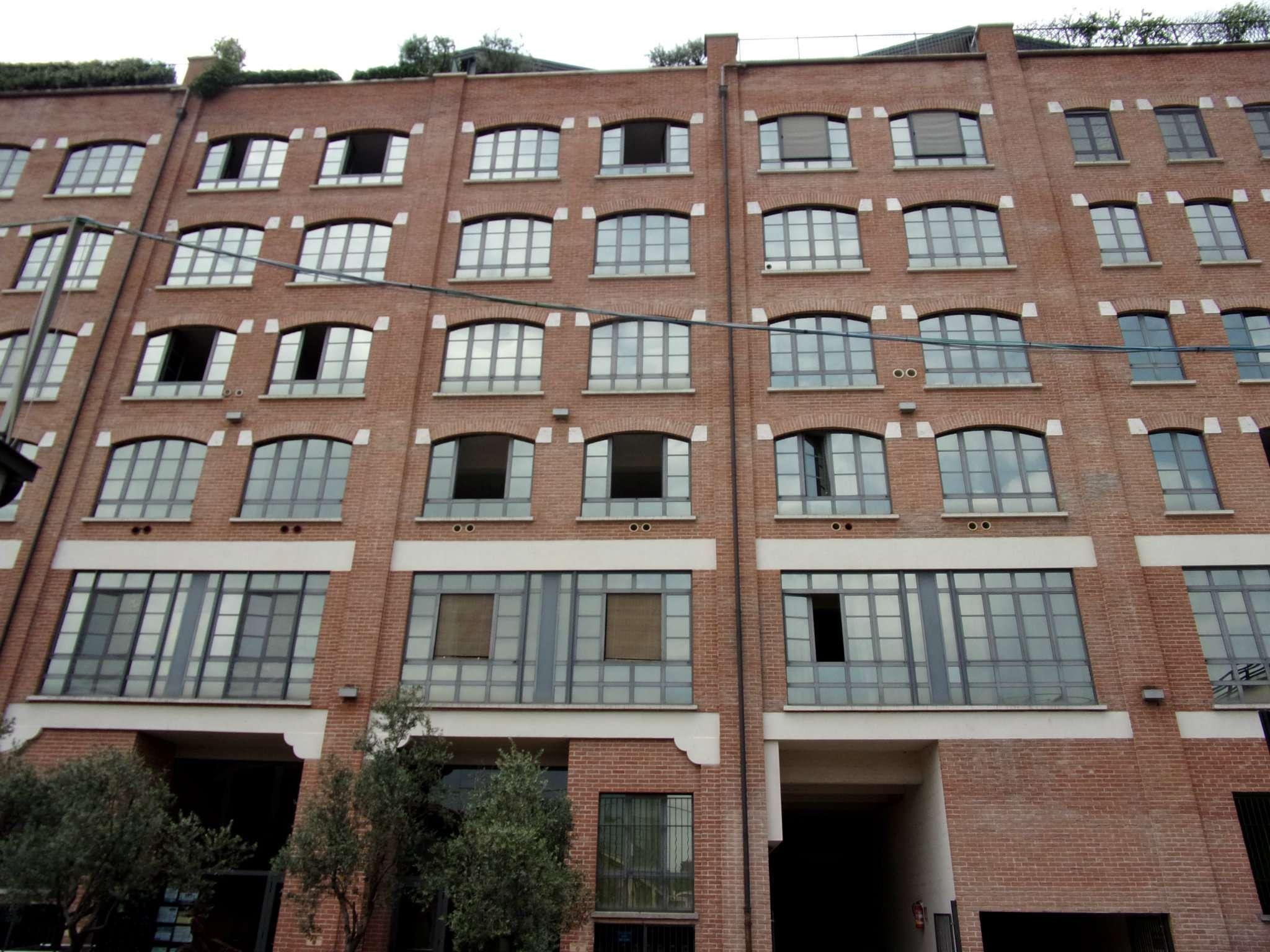 Bilocale Milano Via Mecenate 1