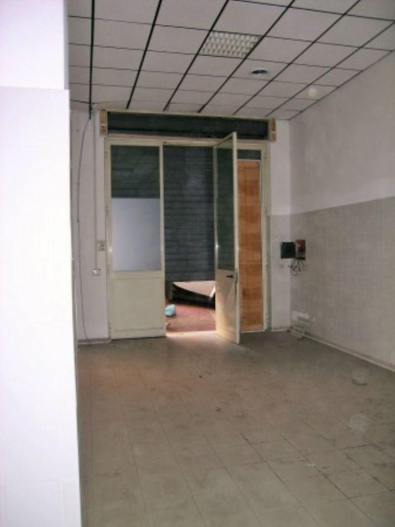 Laboratorio in affitto a Roma, 1 locali, zona Zona: 16 . Appia nuova - Alberone - Colli Albani, prezzo € 1.400 | Cambio Casa.it