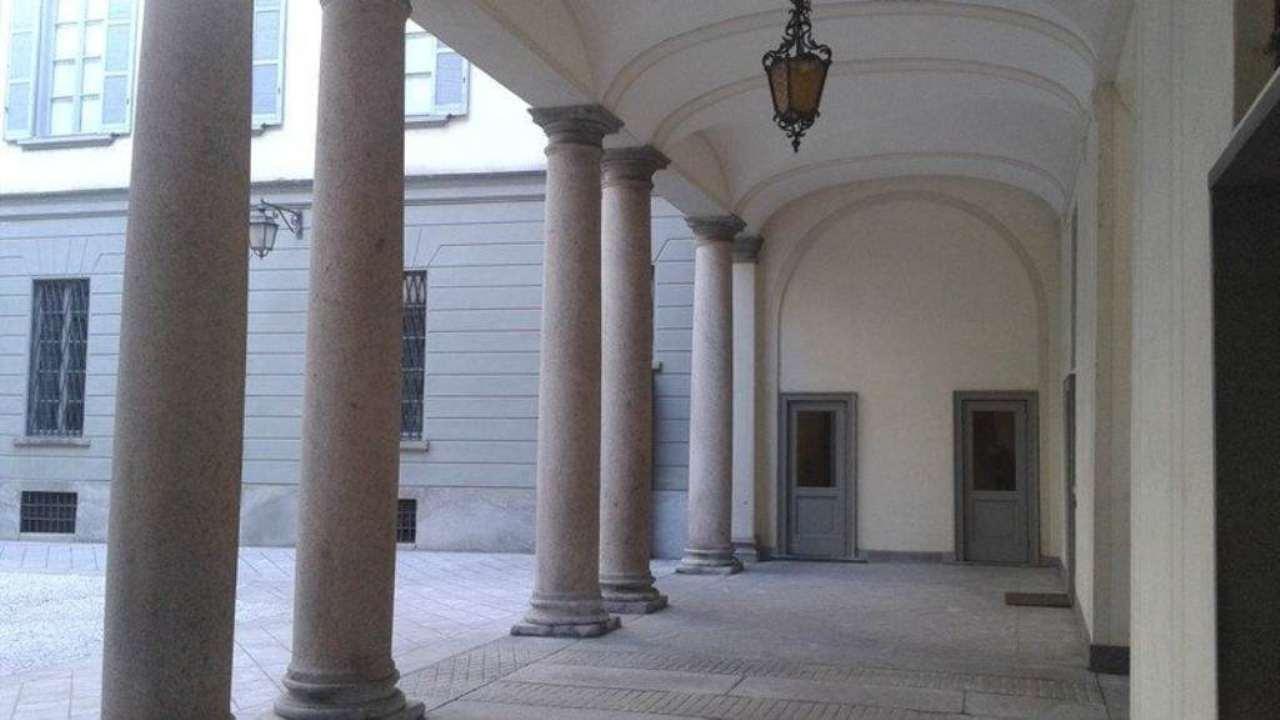 Appartamento in affitto a Milano, 5 locali, zona Zona: 1 . Centro Storico, Duomo, Brera, Cadorna, Cattolica, prezzo € 5.400 | Cambio Casa.it