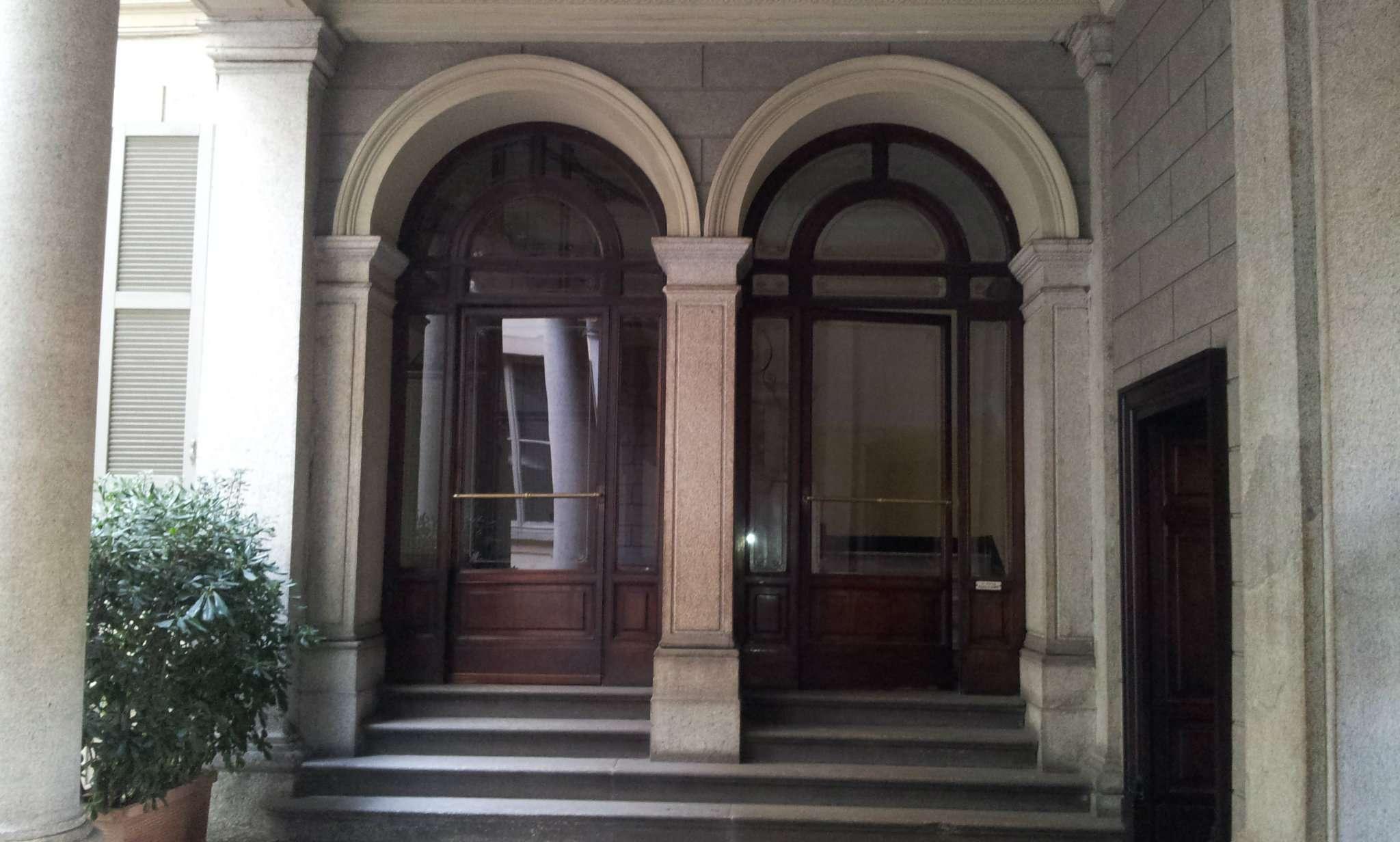 Appartamento in affitto a Milano, 8 locali, zona Zona: 1 . Centro Storico, Duomo, Brera, Cadorna, Cattolica, prezzo € 4.000 | Cambio Casa.it