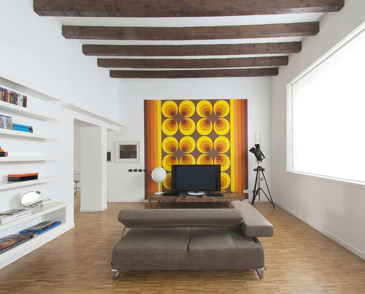 Appartamento in vendita 2 vani 80 mq.  via Carlo Farini Milano
