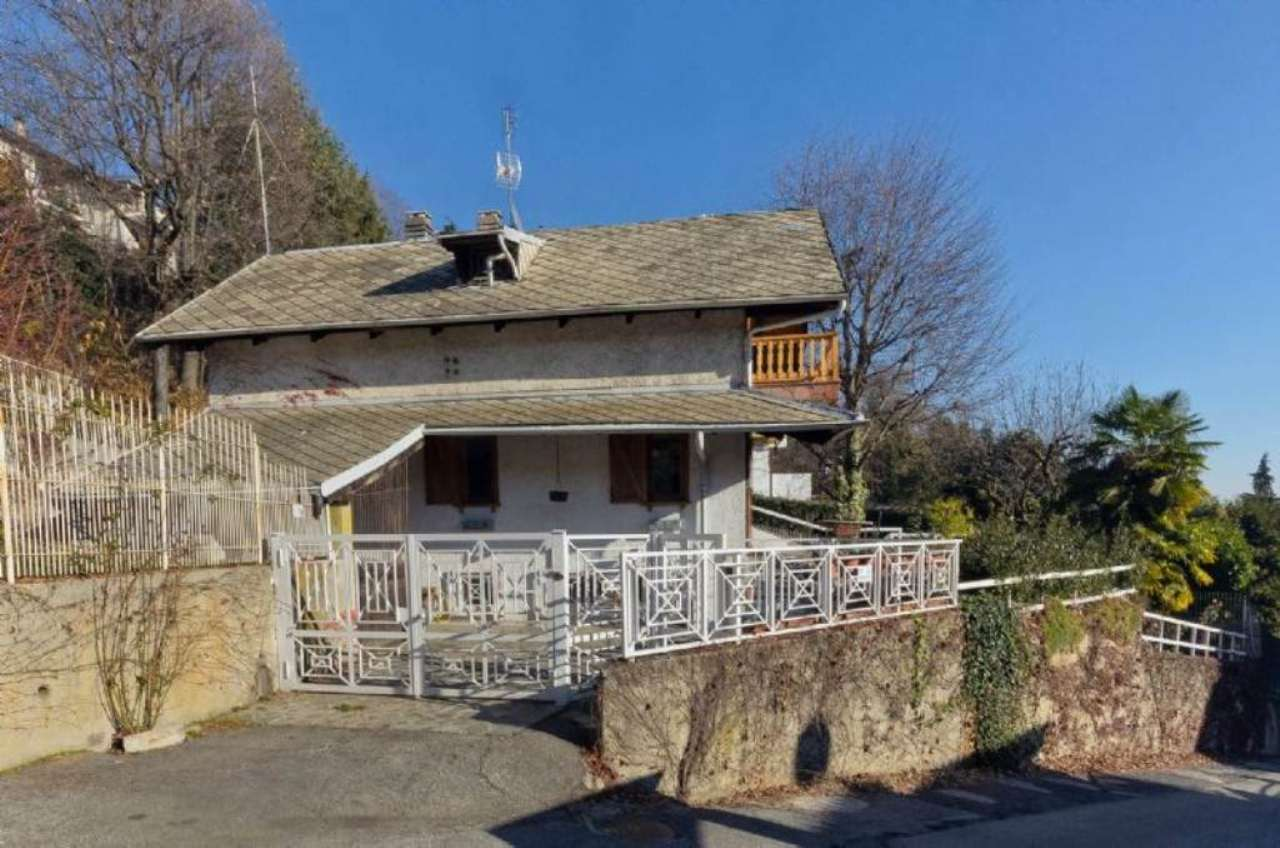 Villa in vendita a Moncalieri, 8 locali, prezzo € 550.000 | Cambio Casa.it