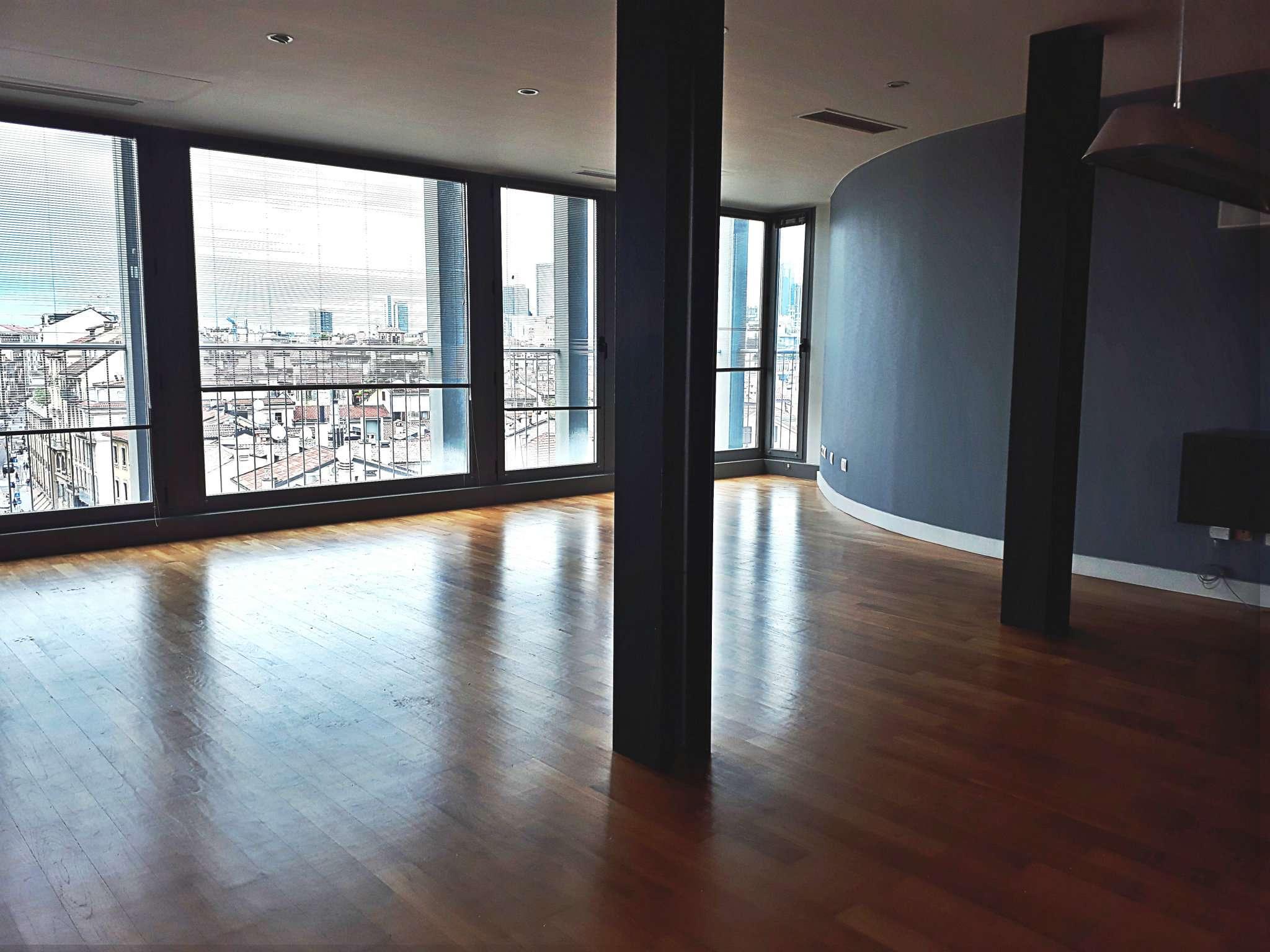 Appartamento trilocale in affitto a Milano (MI)