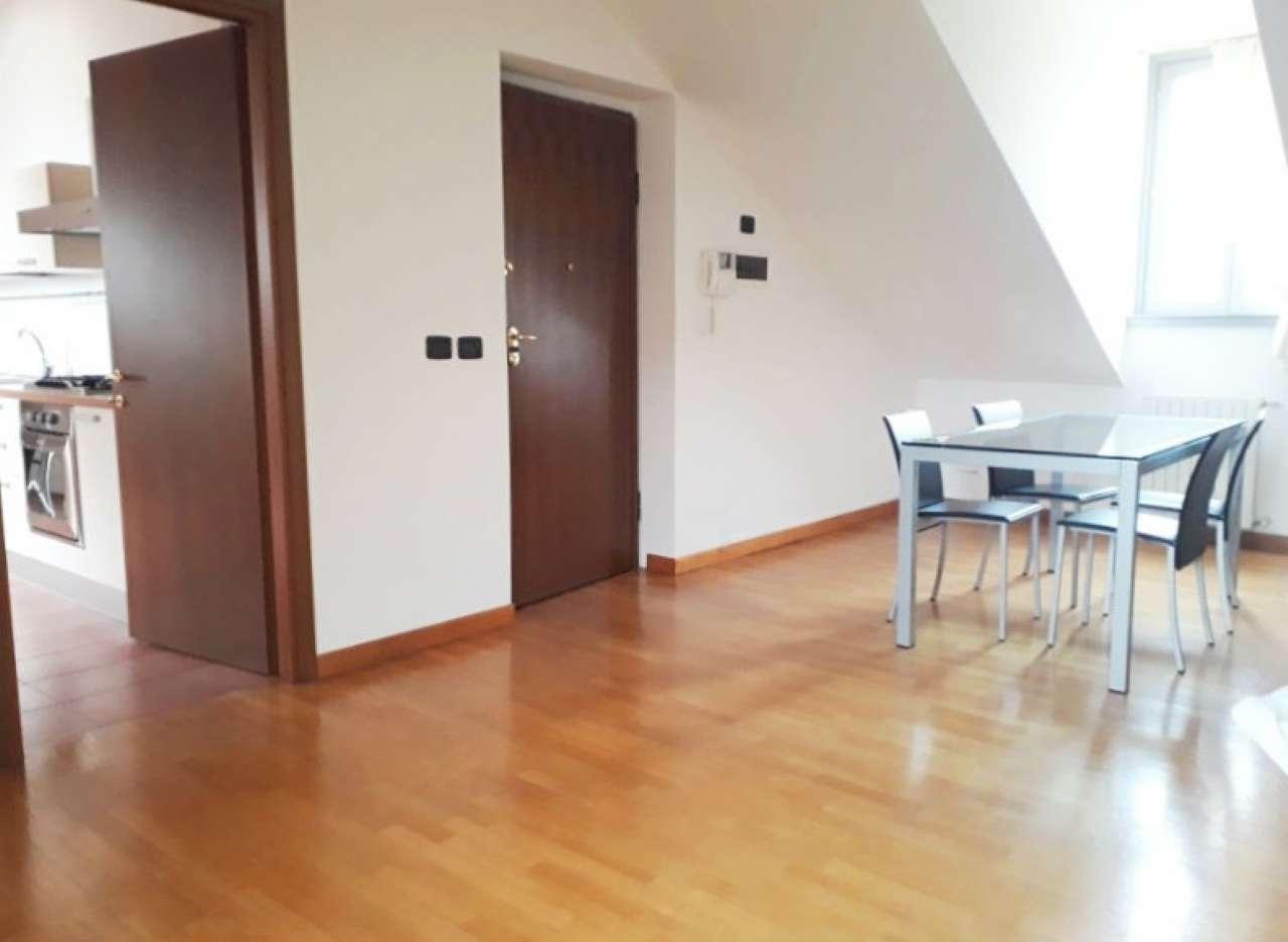 Appartamento in affitto Zona C.so Garibaldi, De Amicis, Cairoli,... - via Festa del Perdono 11 Milano