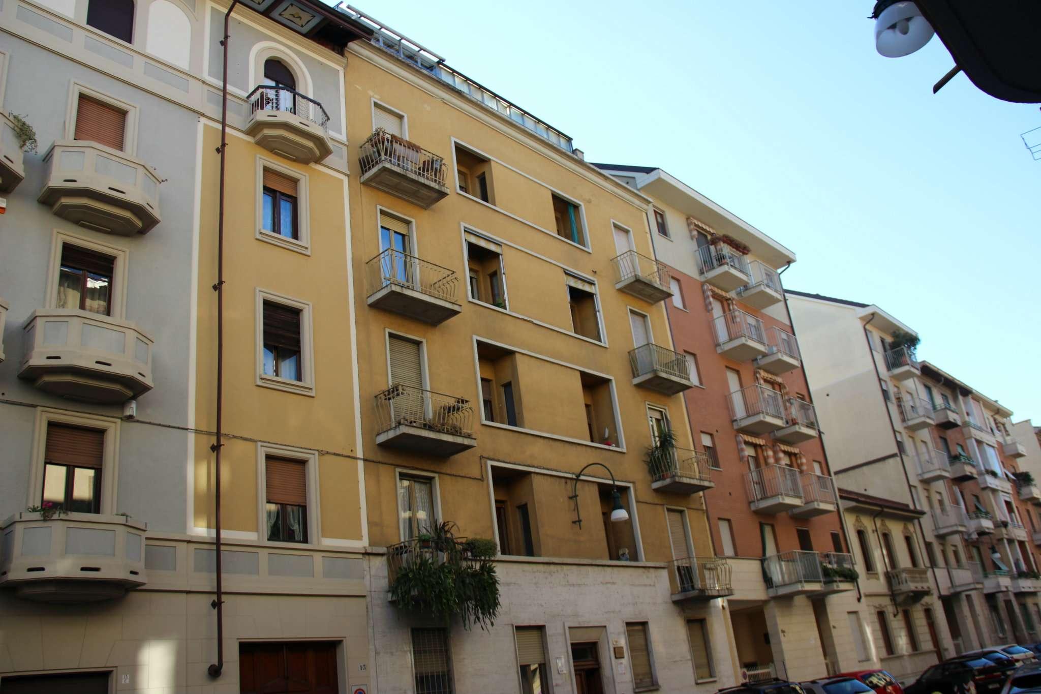 Bilocale Torino Via Perosa 3