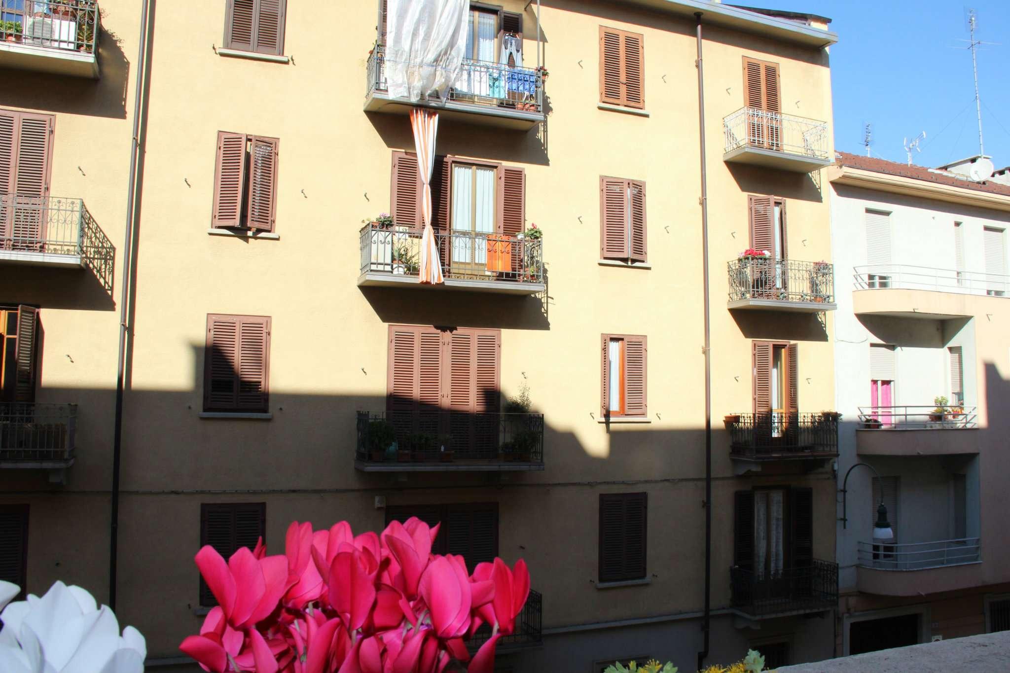 Bilocale Torino Via Perosa 12