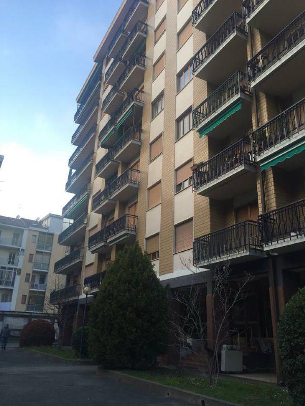 Bilocale Torino Via Buenos Aires 8