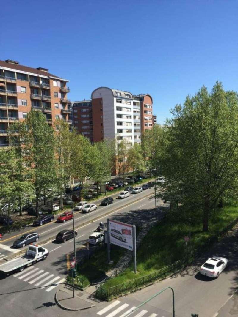 Bilocale Torino Via Lancia 11