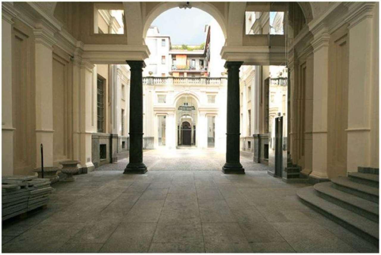 Bilocale Torino Piazza Savoia 5