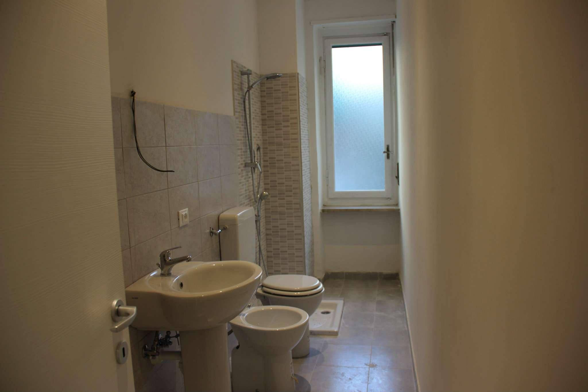 Bilocale Torino Via Andorno 10