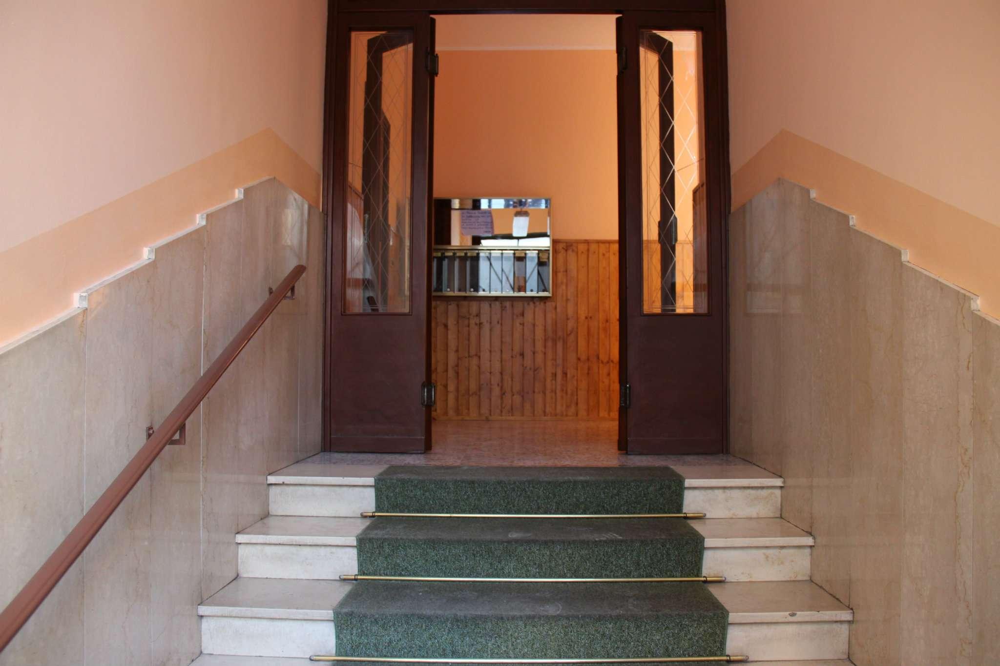 Bilocale Torino Via Andorno 2