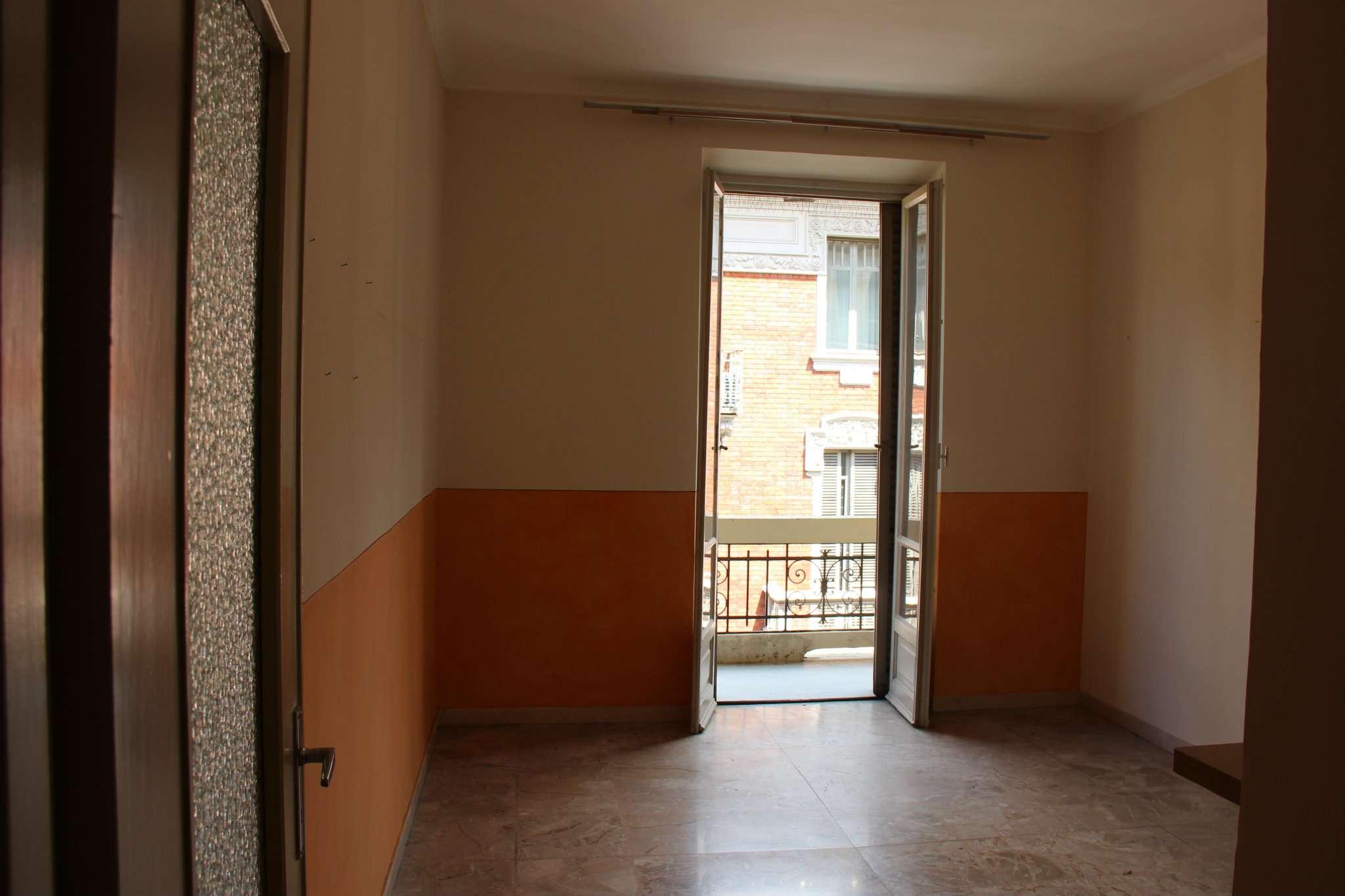 Bilocale Torino Via Talucchi 5
