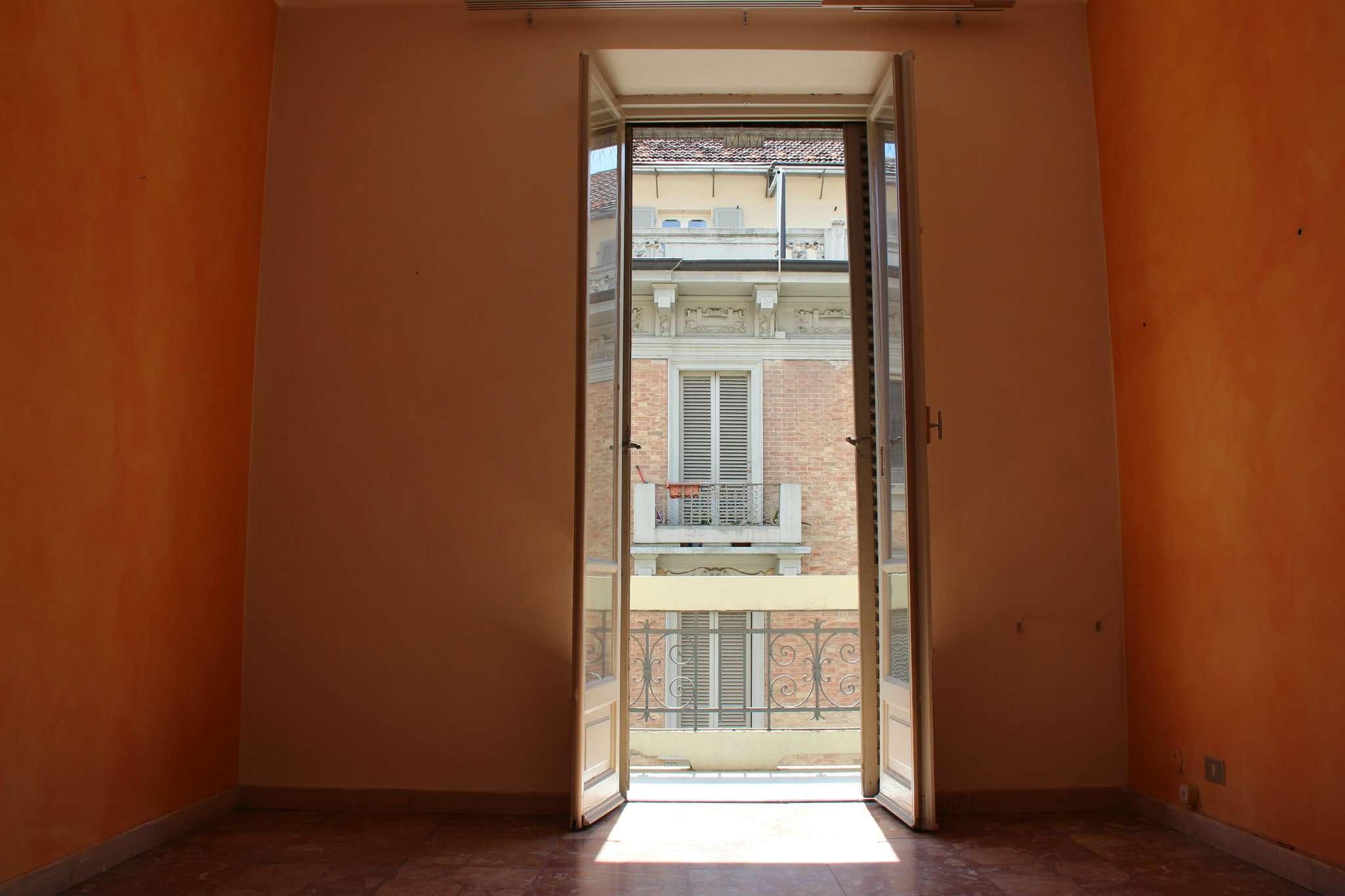 Bilocale Torino Via Talucchi 8