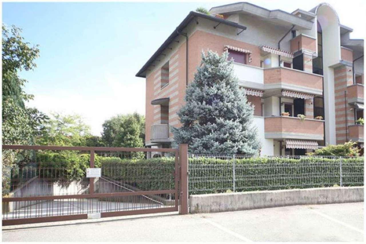 Immagine immobiliare Alpignano, Via Colgiansesco affascinante Attico di 170 mq. con terrazzi e vista su giandino NUOVO PREZZO - Alpignano, Via Colgiansesco, 52, all'interno di un meraviglioso residence, che prende il nome dall'omonima Via, proponiamo...