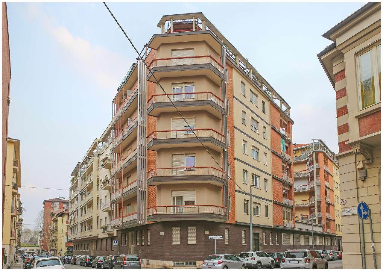 Immagine immobiliare Zona San Donato, Via Medail 34 appartamento di 116 mq. con Terrazzo Via Medail, 34 angolo Via Pinelli, zona San Donato, a 400 mt. dall'ospedale Maria Vittoria, in una zona ricca di servizi di ogni ordine e grado, proponiamo appartamento...