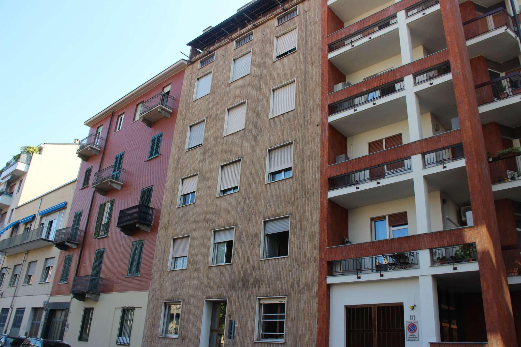Immagine immobiliare Ottima opportunità da investimento Cit Turin, Via Alpignano, proponiamo al secondo piano di decoroso stabile anni '60 dotato di ascensore ampio bilocale di circa 50 mq.L'appartamento gode di doppia esposizione ed...
