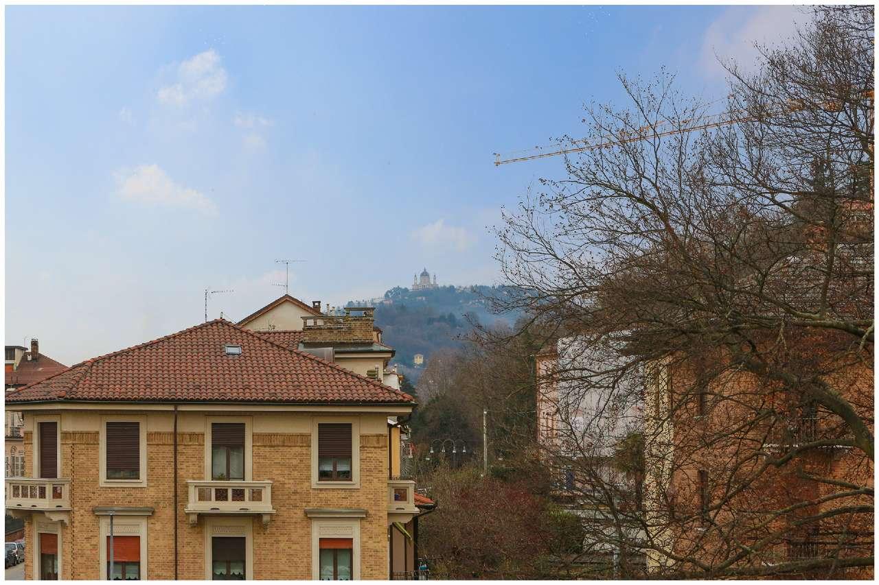 Appartamento in vendita Zona Precollina, Collina - piazza Hermada 2 Torino