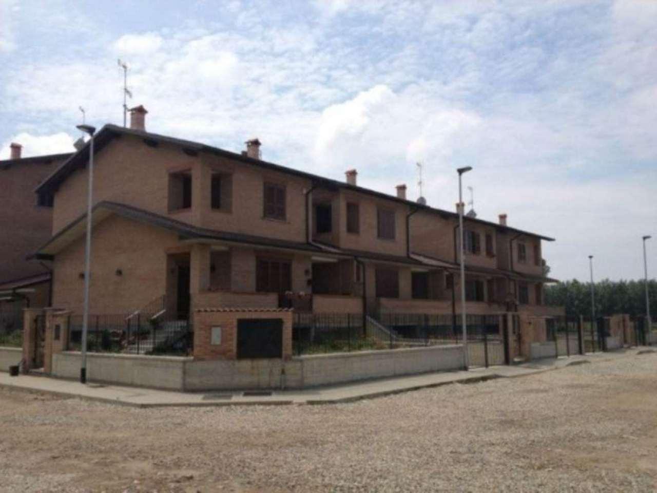 Soluzione Indipendente in vendita a Pavia, 3 locali, prezzo € 140.000 | Cambio Casa.it