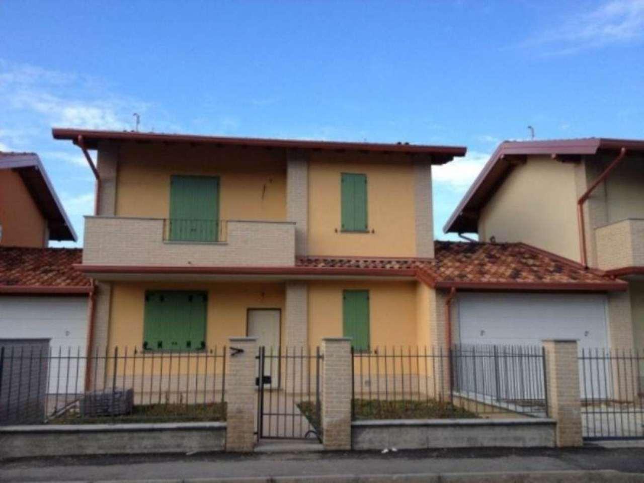 Villa in Vendita a Casteggio