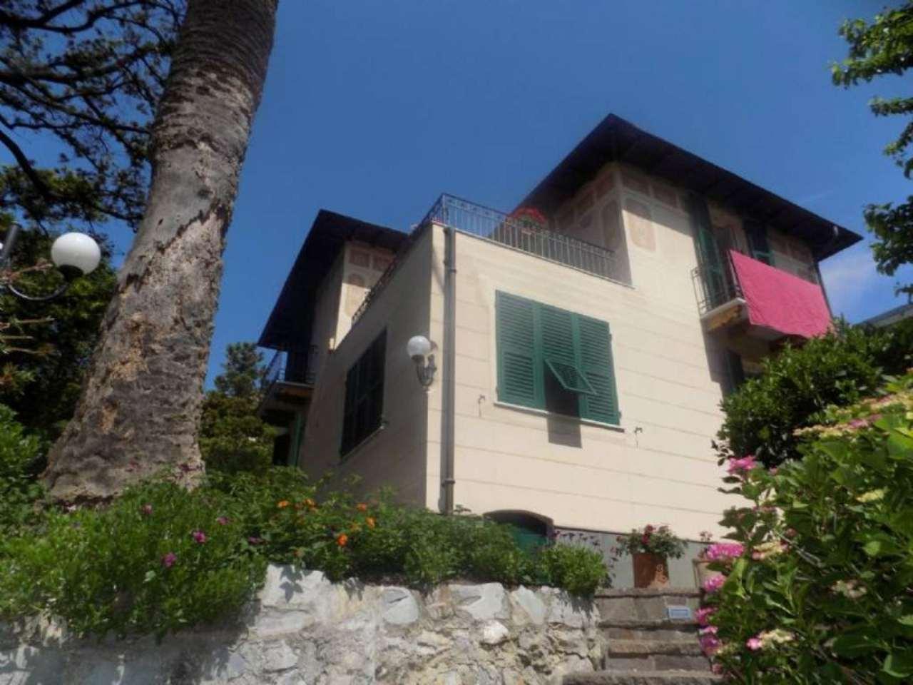 Villa in vendita a Genova, 11 locali, zona Zona: 19 . Quarto, Trattative riservate   CambioCasa.it