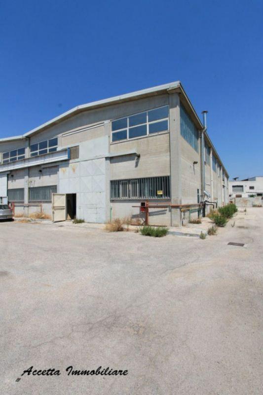 Capannone in affitto a San Giorgio Ionico, 1 locali, prezzo € 2.300 | Cambio Casa.it