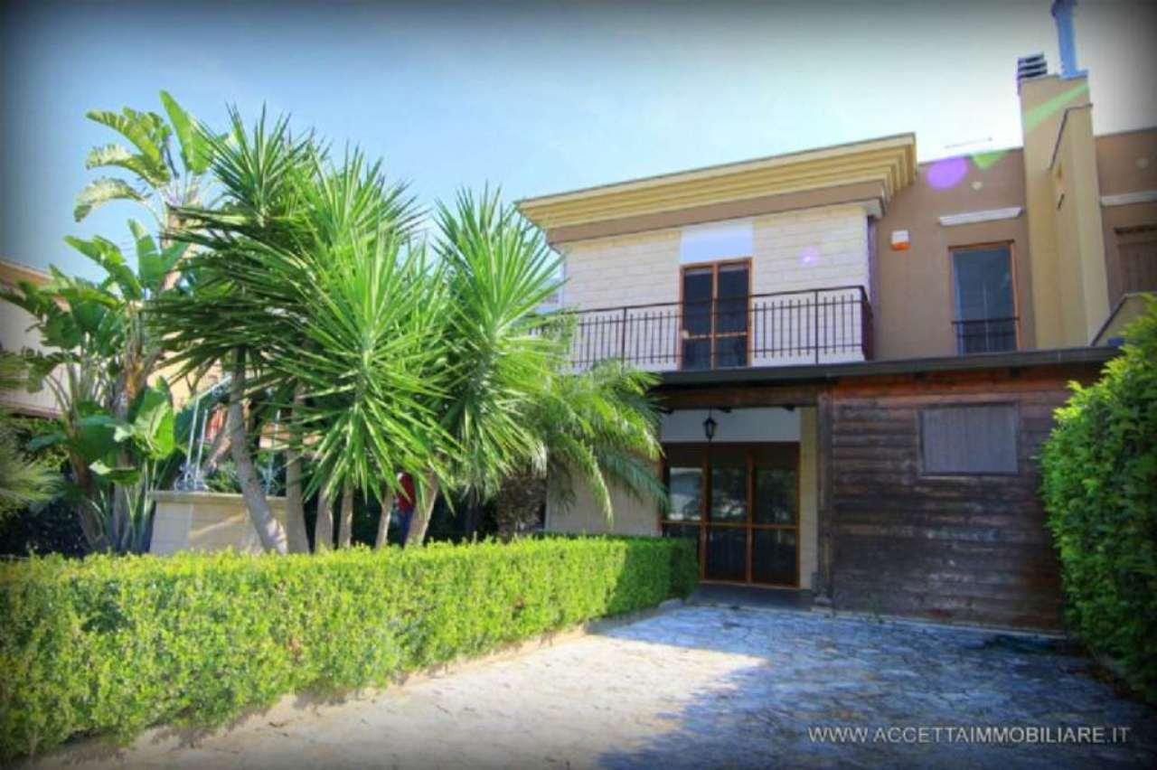 Villa in vendita a Taranto, 4 locali, prezzo € 198.000 | Cambio Casa.it