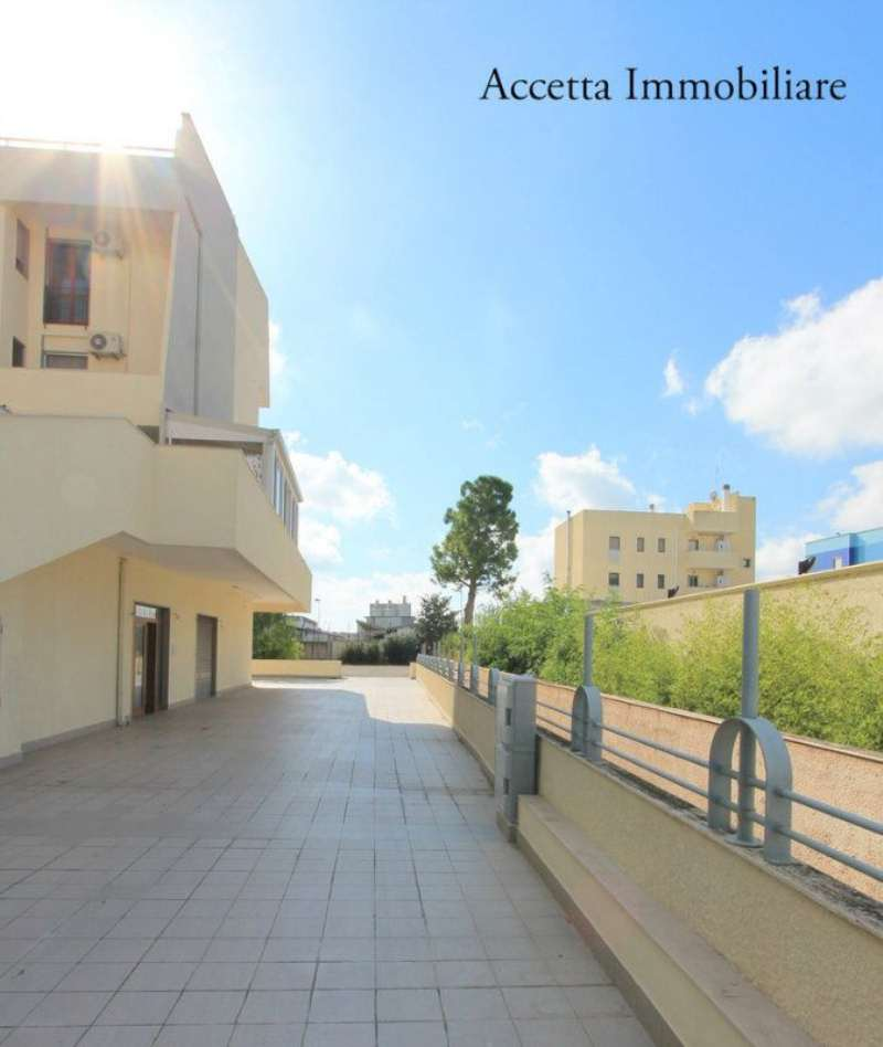 Bilocale Taranto Via Cesare Battisti 7