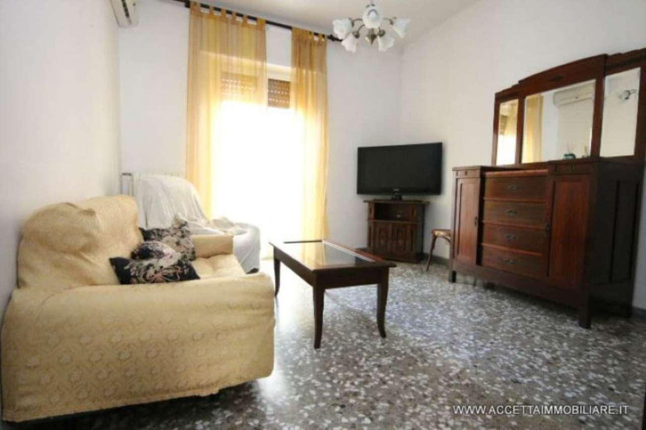 Appartamento in vendita a Taranto, 3 locali, prezzo € 85.000 | Cambio Casa.it
