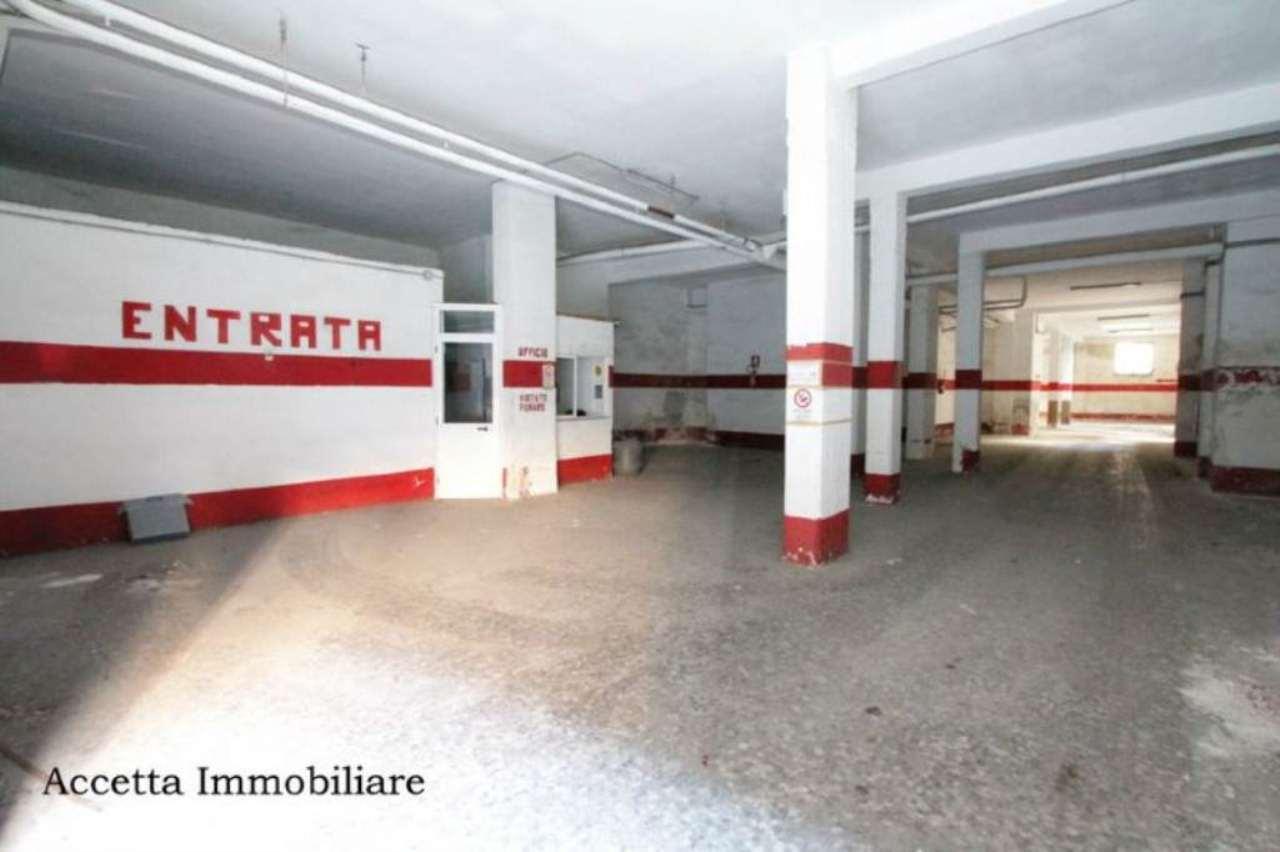 Immobile Commerciale in Vendita a Taranto