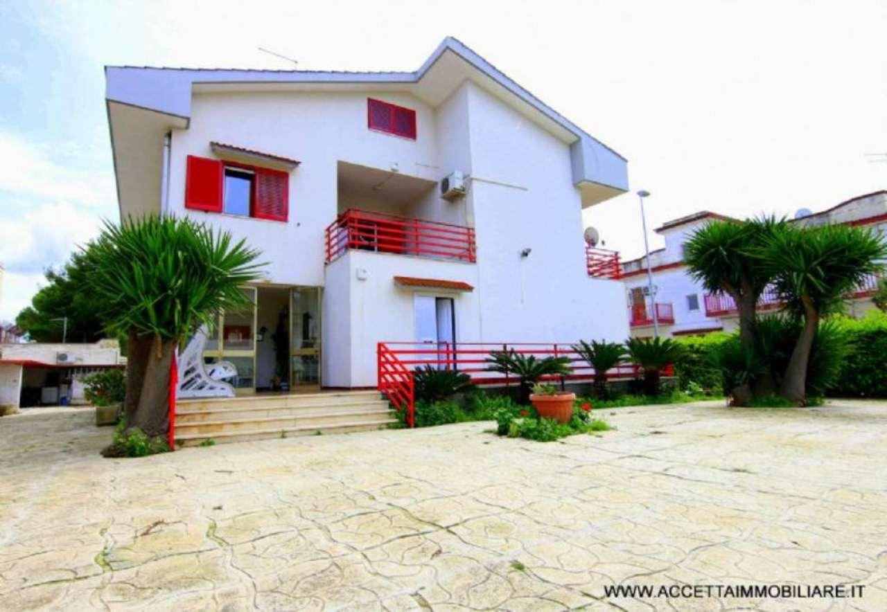 Villa in vendita a Taranto, 10 locali, prezzo € 248.000 | Cambio Casa.it