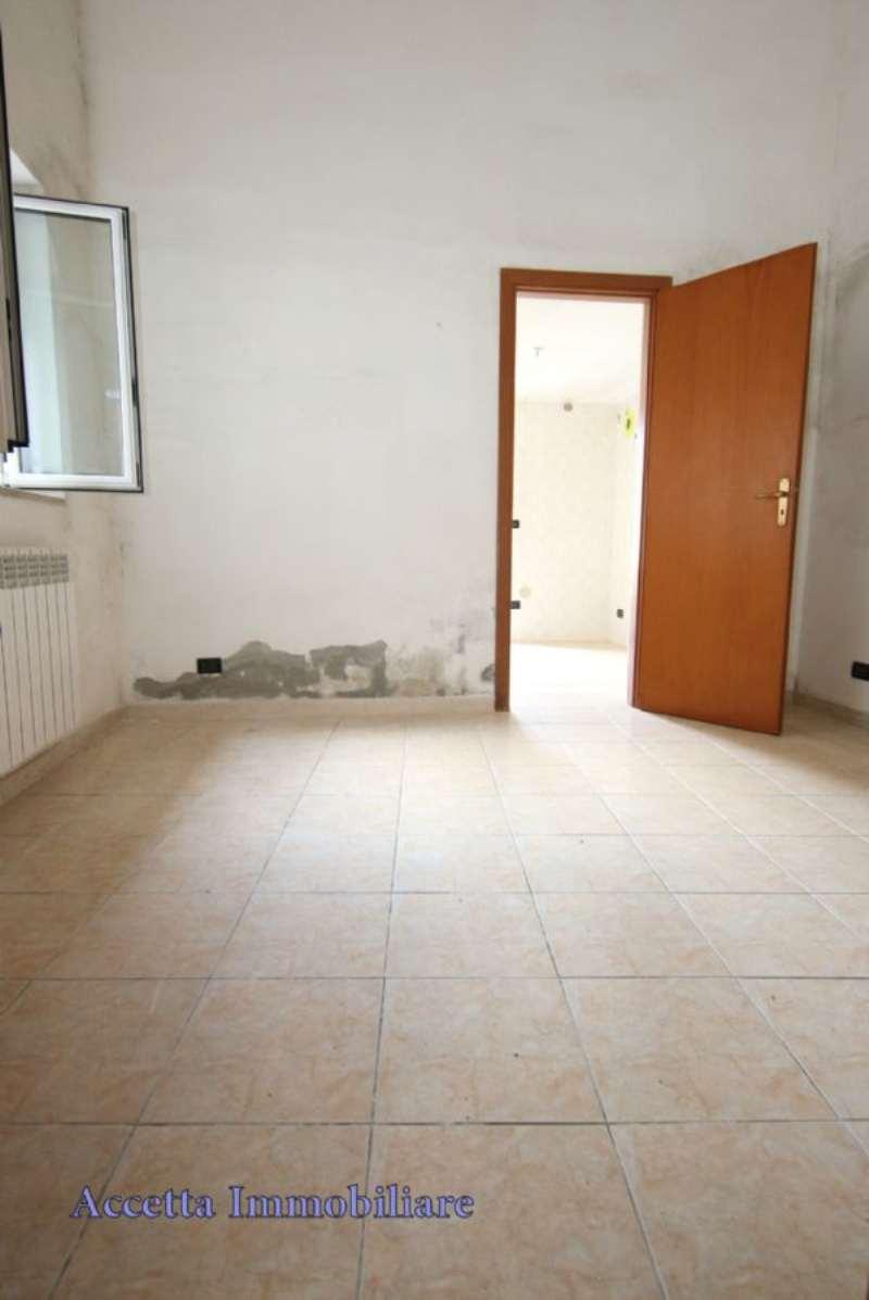 Bilocale Taranto Via Lama 5
