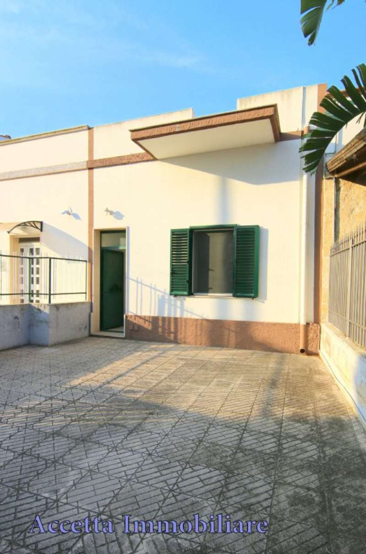 Bilocale Taranto Via Lama 11