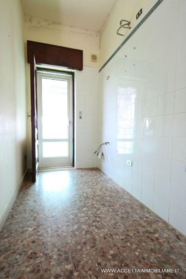 Taranto Affitto APPARTAMENTO Immagine 2